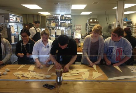 French IV class goes on French bakery trip