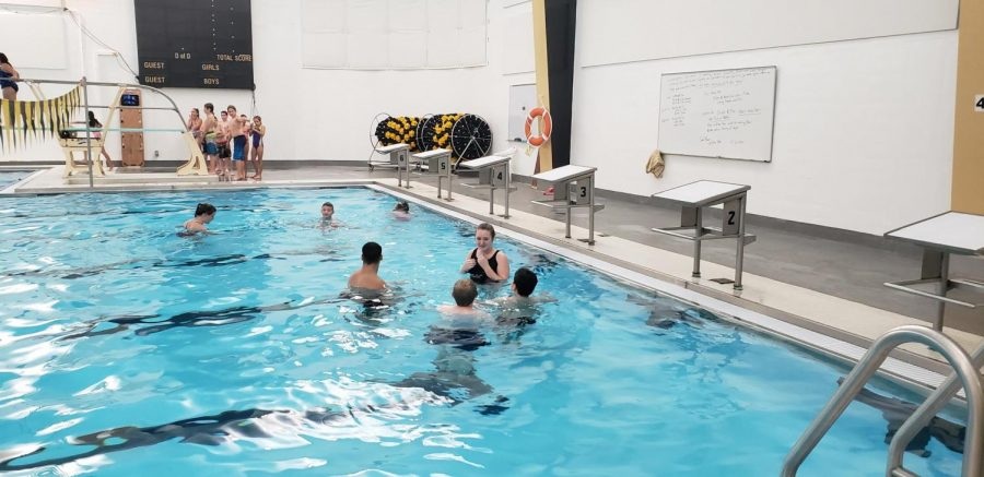 Lifeguarding class gives elementary kids swim lessons