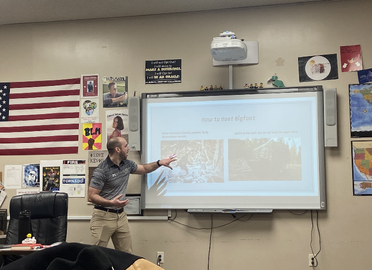 Speech class presents demonstrative speeches