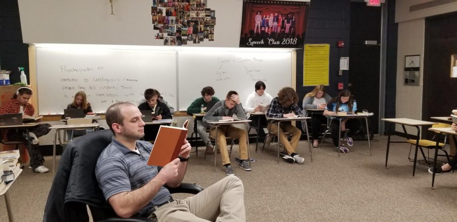 Mr. Mroczkiewicz' English Classes Begin Winter Book Project