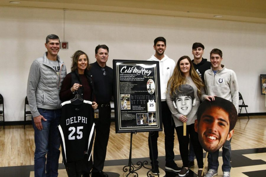 Former Oracle basketball player honored