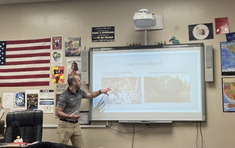 Speech class presents demonstrative speeches