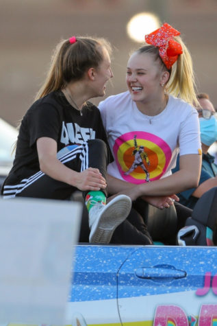 The importance of Jojo Siwa coming out to LGBTQ+ youth