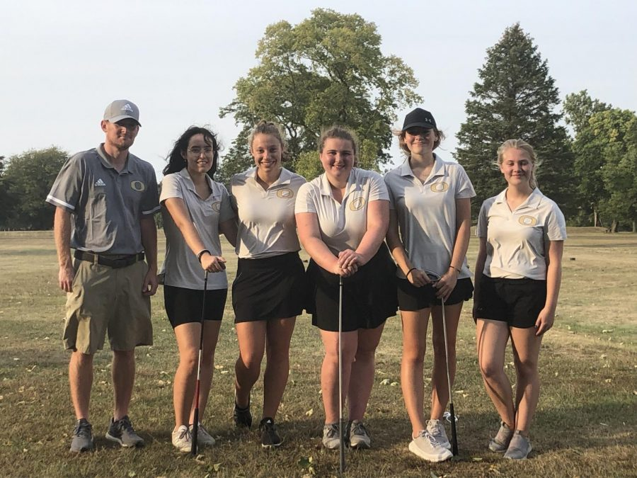 Girls golf sets new best on senior nigh